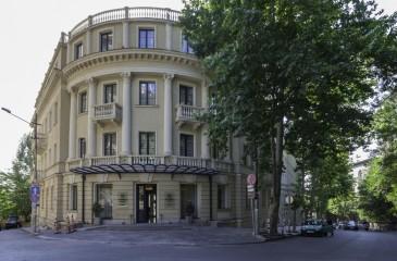 هتل آستوریا تفلیس